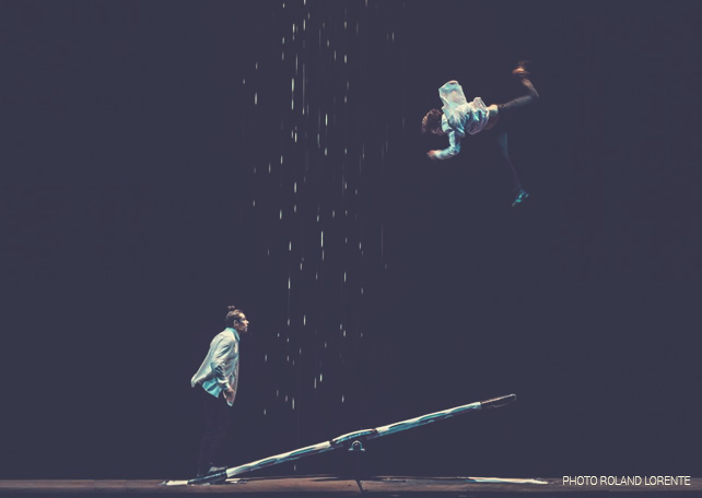 cirque acrobate Étincelleurs planche coreenne Vincent Jutras 2015 - Crédit photo Roland Lorente